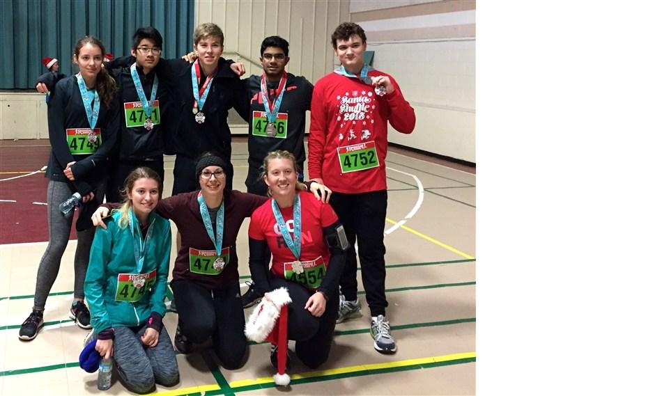 MacLachlan Runners Compete in Santa Shuffle Charity Race