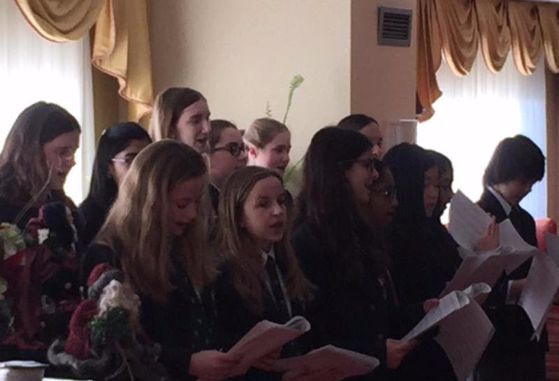 Rotherglen Students Perform at Senior Residence